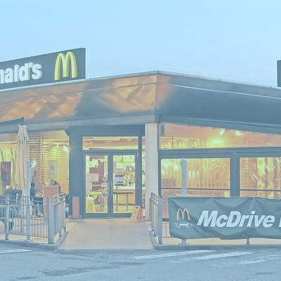 Sanificazione e sgrassaggio cappe del McDonald's di Pisa